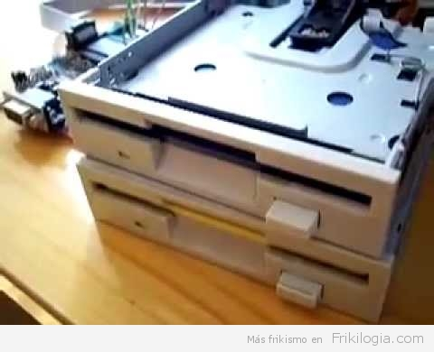 Haciendo musica con dos floppys