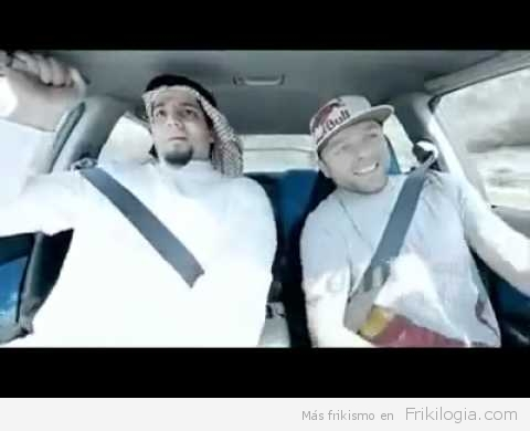 Hombre aterrorizado Durante Test Drive