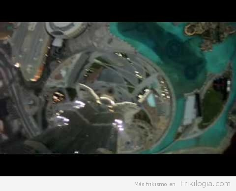 Salto base desde el Burj Khalifa