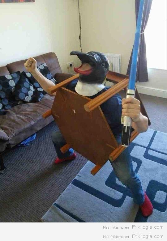 Pinguino jedi mesita